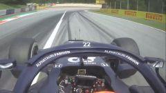 F1 GP Austria 2021, Spielberg: Yuki Tsunoda (AlphaTauri) taglia la linea bianca in ingresso pit-lane