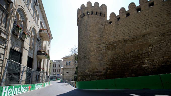 F1 GP Azerbaijan 2019, Baku: il circuito di Formula 1 costeggia il castello medievale della capitale azera