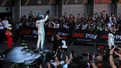 F1 GP Azerbaijan 2019, i festeggiamenti di Valtteri Bottas dopo il traguardo