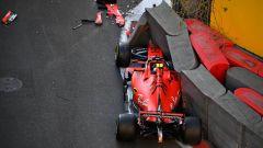 I due incidenti di Leclerc sul circuito di Baku