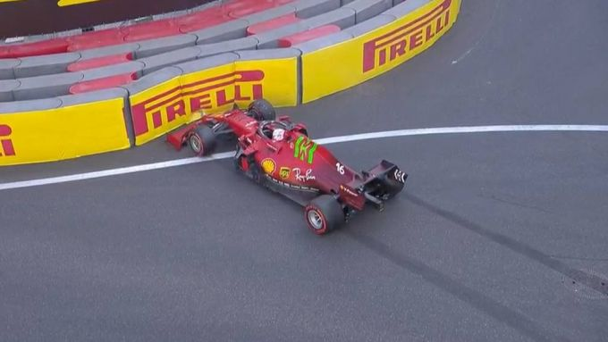 F1 GP Azerbaijan 2021, Baku: Charles Leclerc (Scuderia Ferrari) a muro nelle PL2