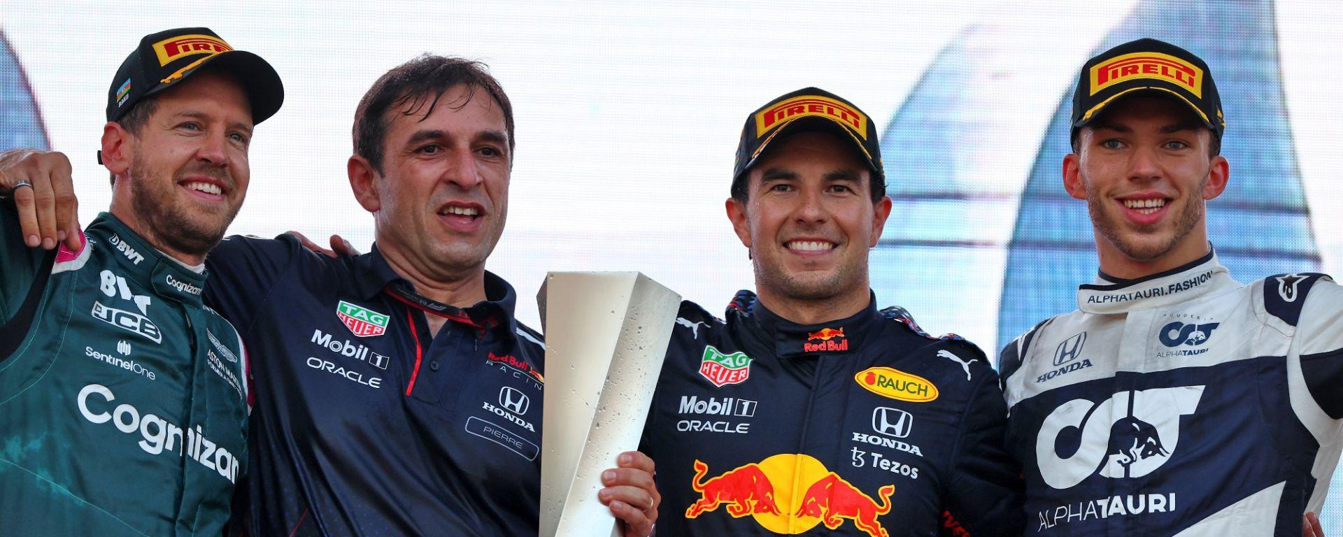 F1 GP Azerbaijan 2021, Baku: il podio con Sebastian Vettel (Aston Martin), Sergio Perez (Red Bull) e Pierre Gasly (AlphaTauri)