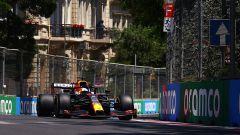 F1 GP Azerbaijan 2021, PL1: Verstappen precede Leclerc