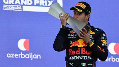 F1 GP Azerbaijan 2021, Baku: Sergio Perez (Red Bull Racing) festeggia sul podio