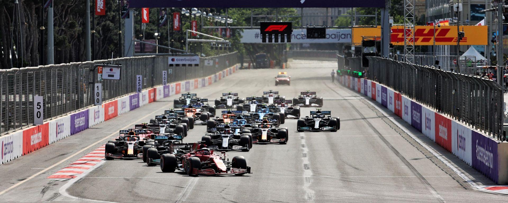 F1, GP Azerbaijan 2021: la partenza della gara