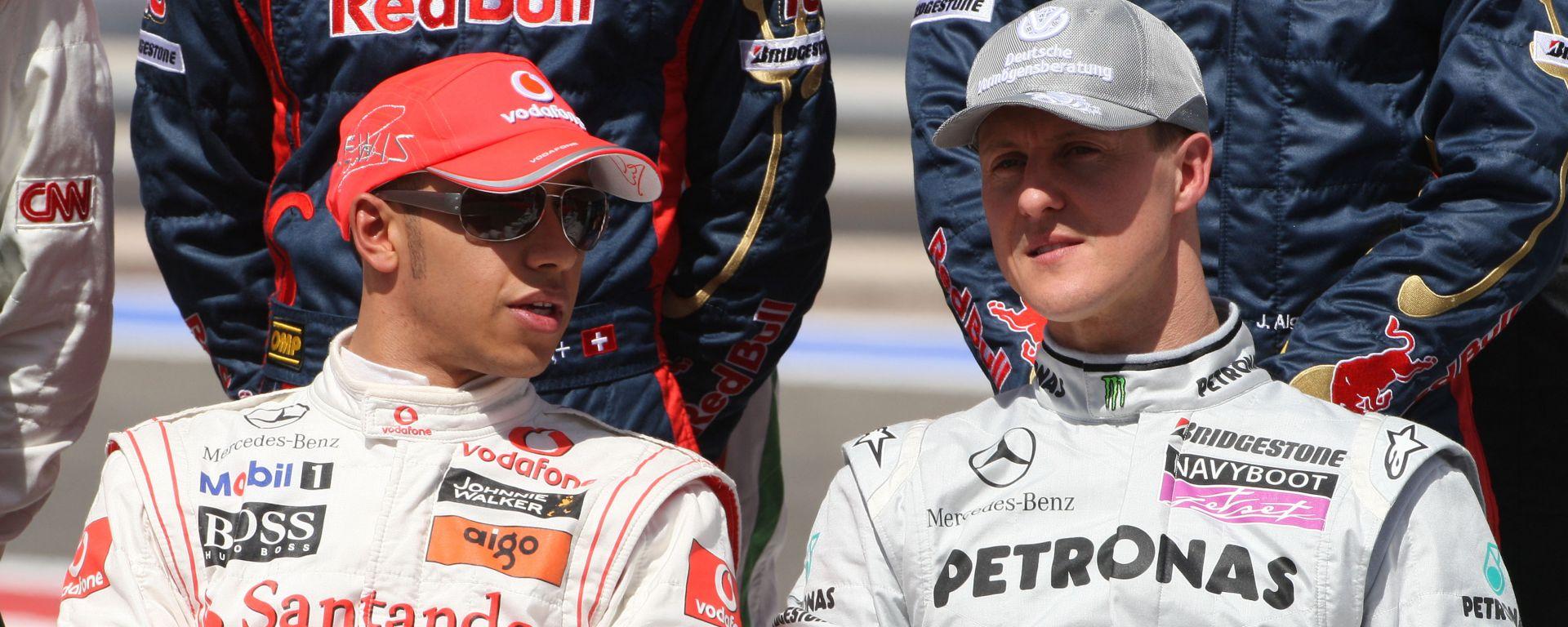 F1, GP Bahrain 2010: Lewis Hamilton e Michael Schumacher