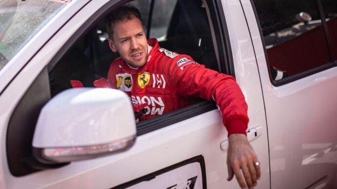 F1, GP Bahrain 2020: il tentativo di camuffamento di Sebbb