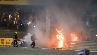 F1 GP Bahrain 2020, Sakhir: il fuoco dopo lo schianto di Romain Grosjean (Haas)
