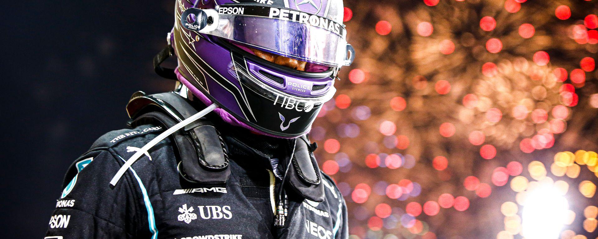 F1 GP Bahrain 2021, Sakhir: Lewis Hamilton (Mercedes AMG F1) festeggia la vittoria