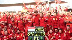F1 GP Belgio 2019, Spa: Charles Leclerc festeggia la vittoria con gli uomini Ferrari