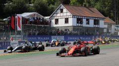 F1 GP Belgio 2019, Spa Francorchamps, Sebastian Vettel (Ferrari) largo alla prima curva