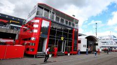 Ferrari: Wolff solidale con i tifosi, la Haas giura fedeltà