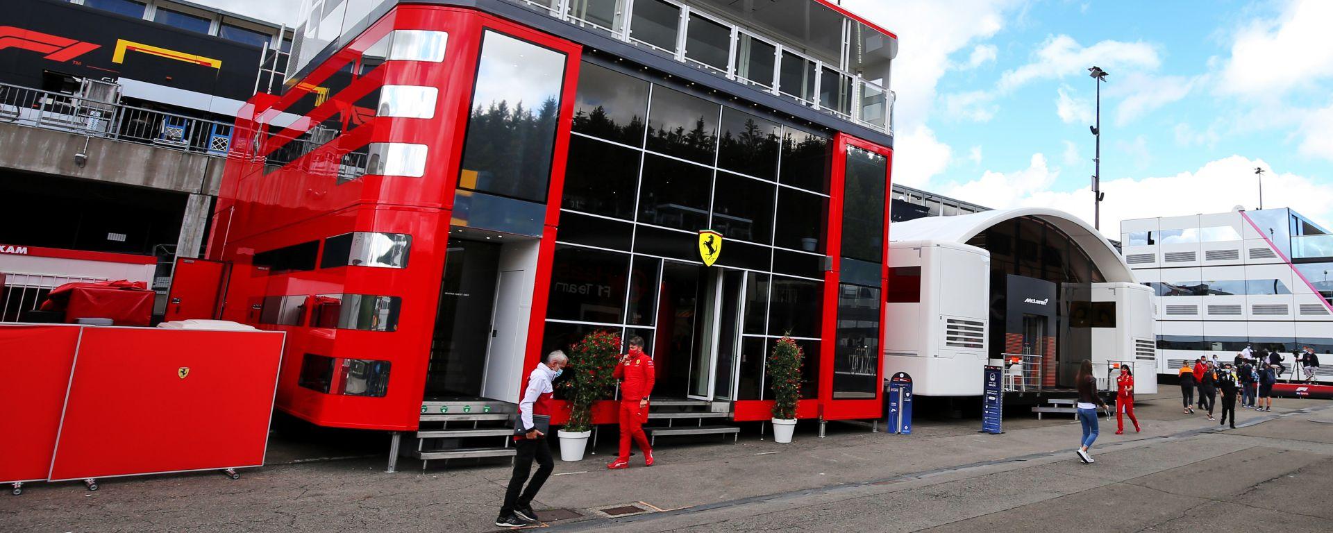 F1, GP Belgio 2020: il motorhome Ferrari nel paddock di Spa