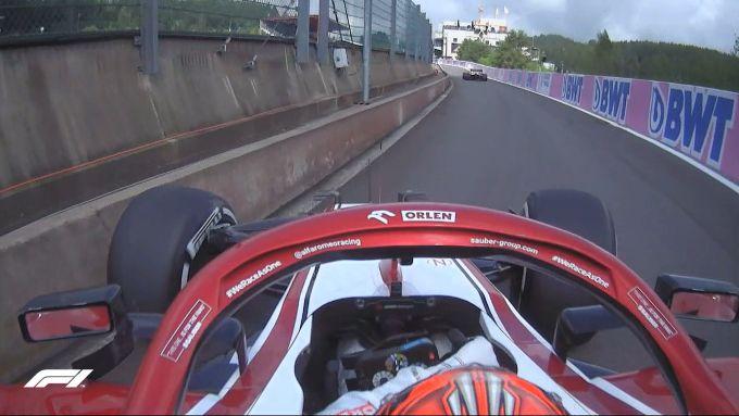 F1 GP Belgio 2021, Spa: Kimi Raikkonen (Alfa Romeo Racing) sbatte in corsia box