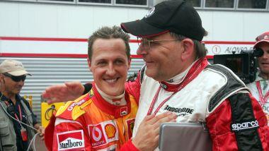 F1 GP Brasile 2006, Interlagos: Michael Schumacher (Ferrari) con Keen Van De Grint (Bridgestone)