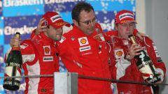 F1, GP Brasile 2008: Felipe Massa, Stefano Domenicali e Kimi Raikkonen (Ferrari)