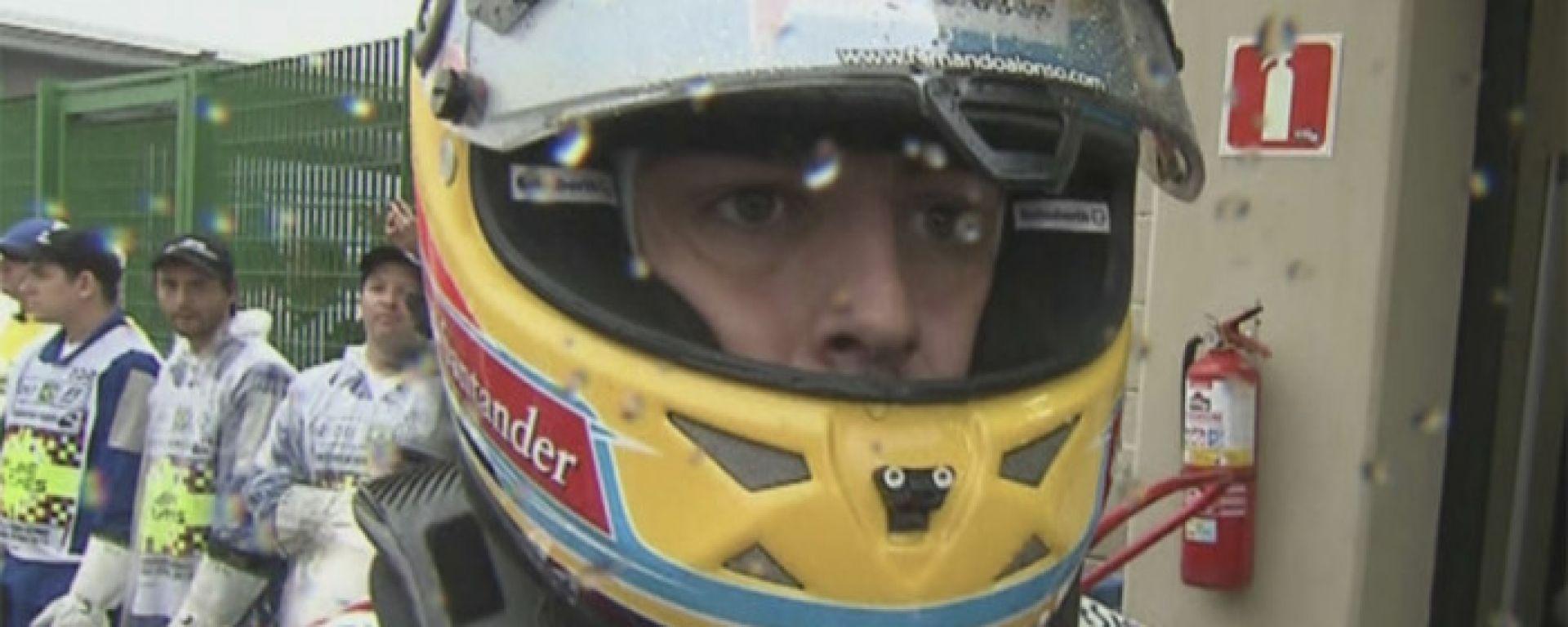 F1, GP Brasile 2012: il celebre sguardo di Fernando Alonso (Ferrari) al termine della gara