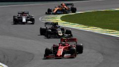 F1, GP Brasile 2019: Charles Leclerc (Ferrari) precede Kevin Magnussen (Haas) e Antonio Giovinazzi (Alfa Romeo)