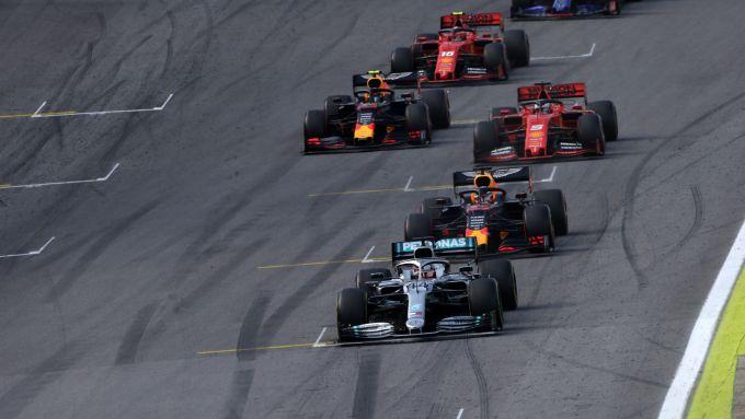 F1 GP Brasile 2019, Interlagos, Hamilton, Verstappen, Vettel, Albon e Leclerc in lotta per la vittoria
