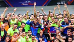 F1 GP Brasile 2019, Interlagos: i festeggiamenti degli uomini Toro Rosso per il podio di Gasly