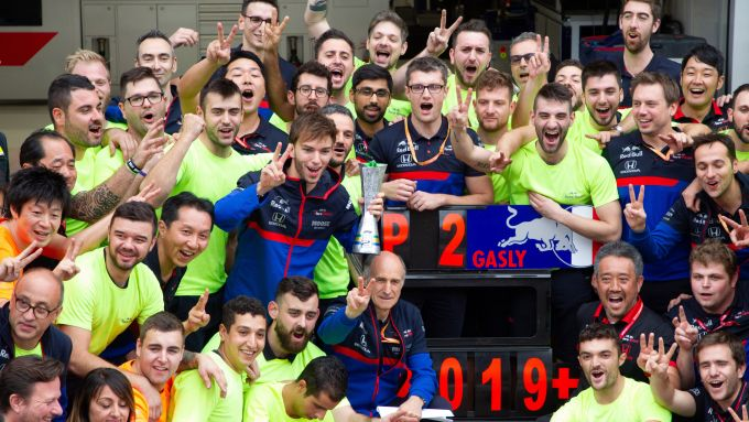 F1 GP Brasile 2019, Interlagos: i festeggiamenti di Pierre Gasly e degli uomini Toro Rosso-Honda