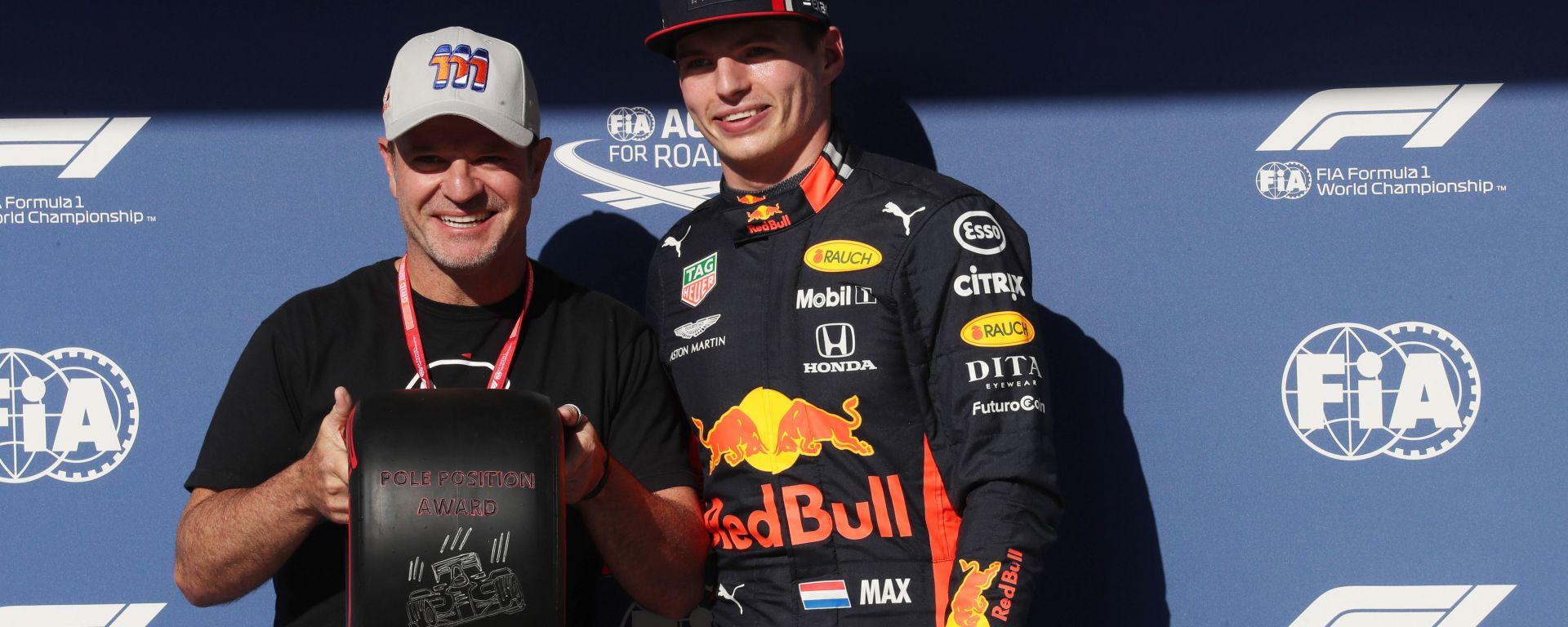 F1 GP Brasile 2019, Interlagos: Rubens Barrichello consegna il premio pole a Max Verstappen (Red Bull)