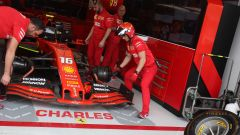 F1, GP Brasile 2019: la Ferrari di Charles Leclerc ai box