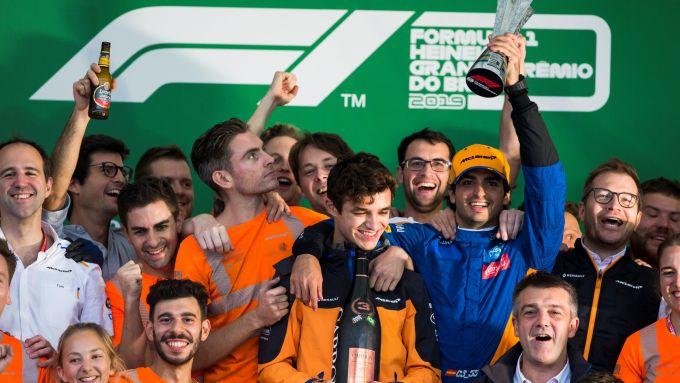 F1, GP Brasile 2019: la McLaren festeggia il terzo posto di Carlos Sainz