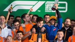 """Sainz, il saluto alla McLaren e all'""""amico idiota"""""""
