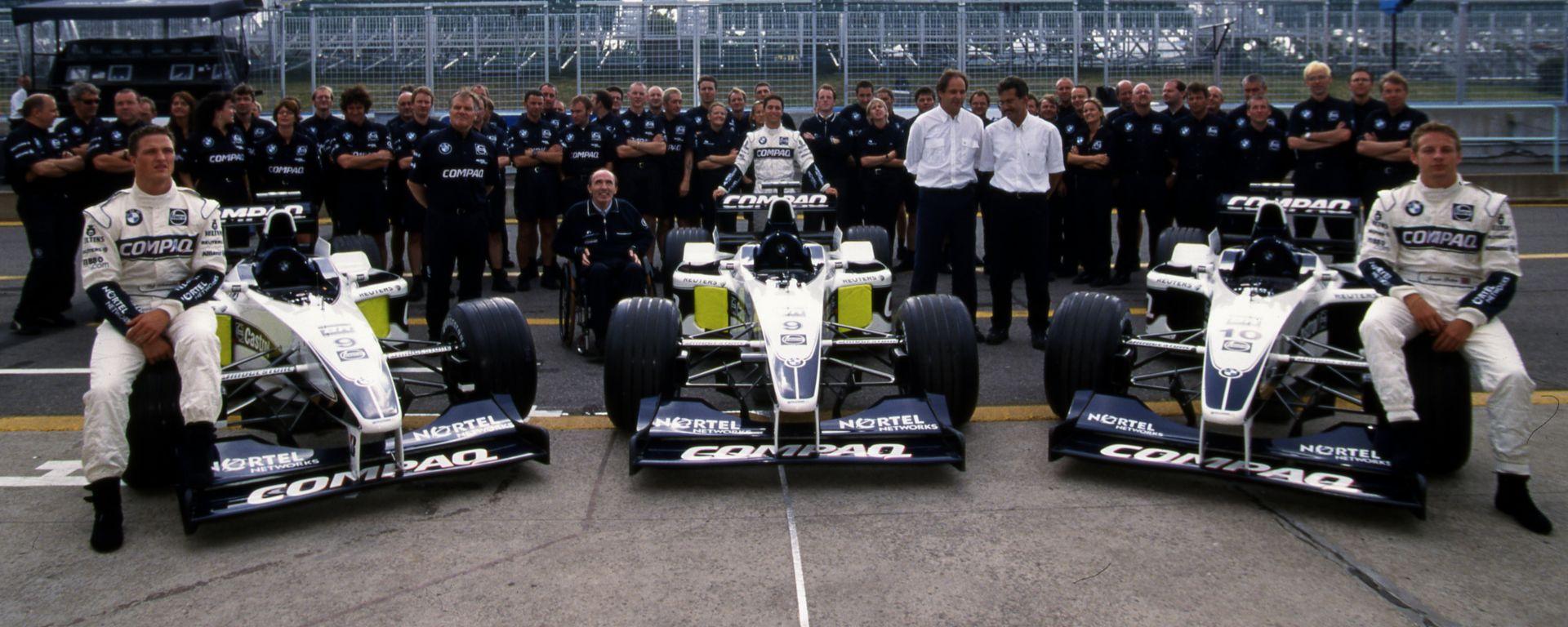 F1, GP Canada 2000: Foto di gruppo per il team BMW