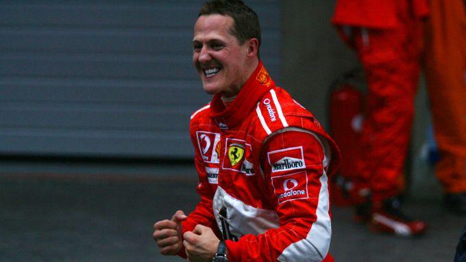 F1 GP Cina 2006, Shanghai: l'esultanza di Michael Schumacher (Ferrari)
