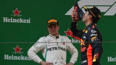 F1 GP Cina 2018, Shanghai: Daniel Ricciardo e il suo (disgustoso) Shoey sul podio