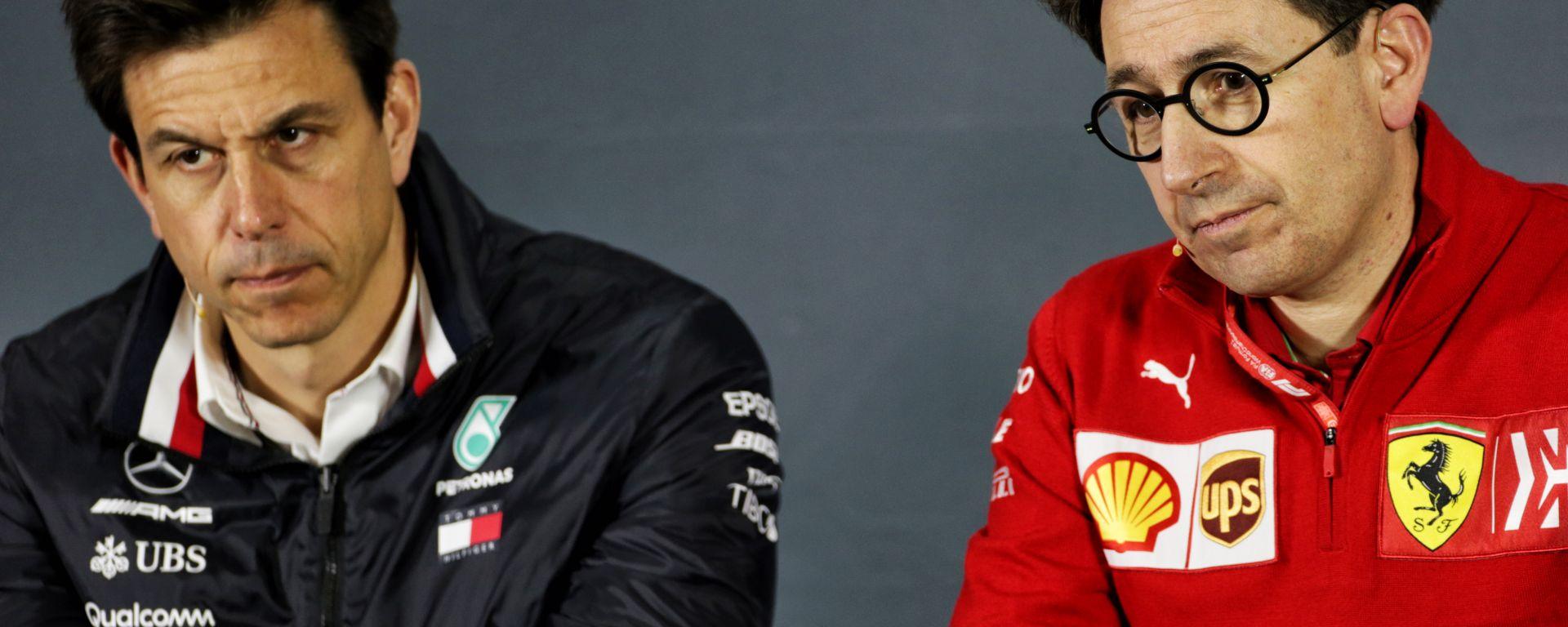 F1 GP Cina 2019, Shanghai: Toto Wolff (Mercedes) e Mattia Binotto (Ferrari)