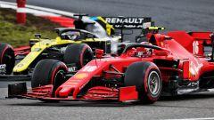 F1 GP Eifel 2020, Nurburgring: Leclerc e Ricciardo. Si nota la differenza tra il muso largo e quello stretto