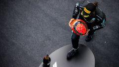 F1 GP Eifel 2020, Nurburgring: Lewis Hamilton (Mercedes AMG F1) con il casco di Michael Schumacher