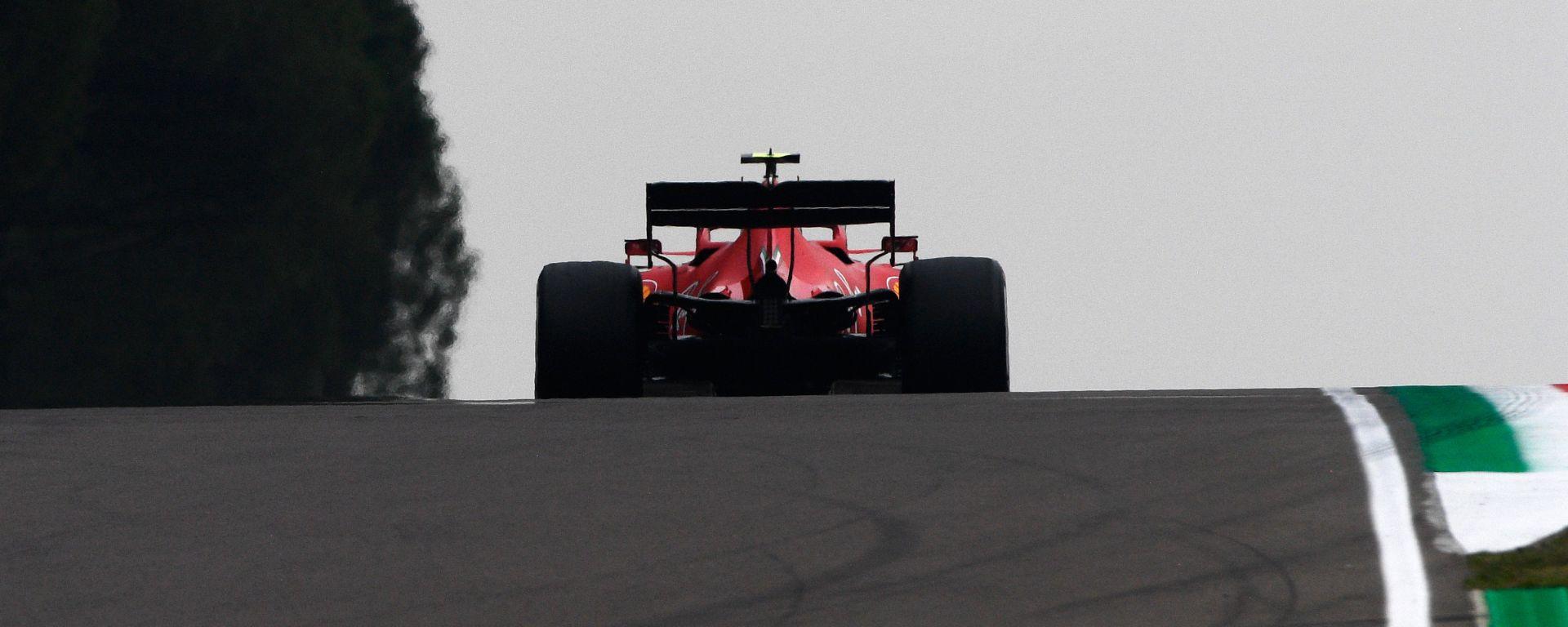 F1 GP Emilia Romagna 2020, Imola: Charles Leclerc (Scuderia Ferrari) tra le colline del Santerno