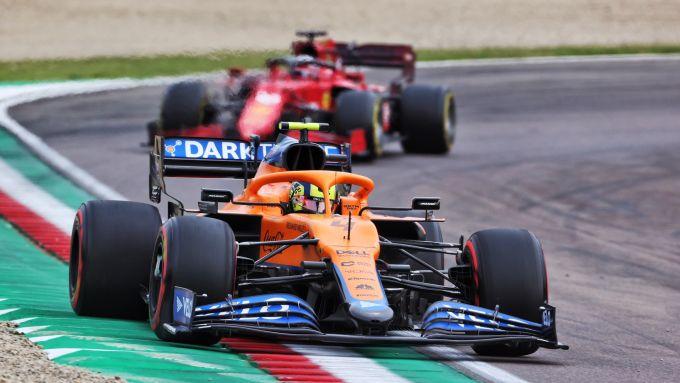 F1 GP Emilia Romagna 2020, Imola: Lando Norris (McLaren) precede Charles Leclerc (Ferrari)