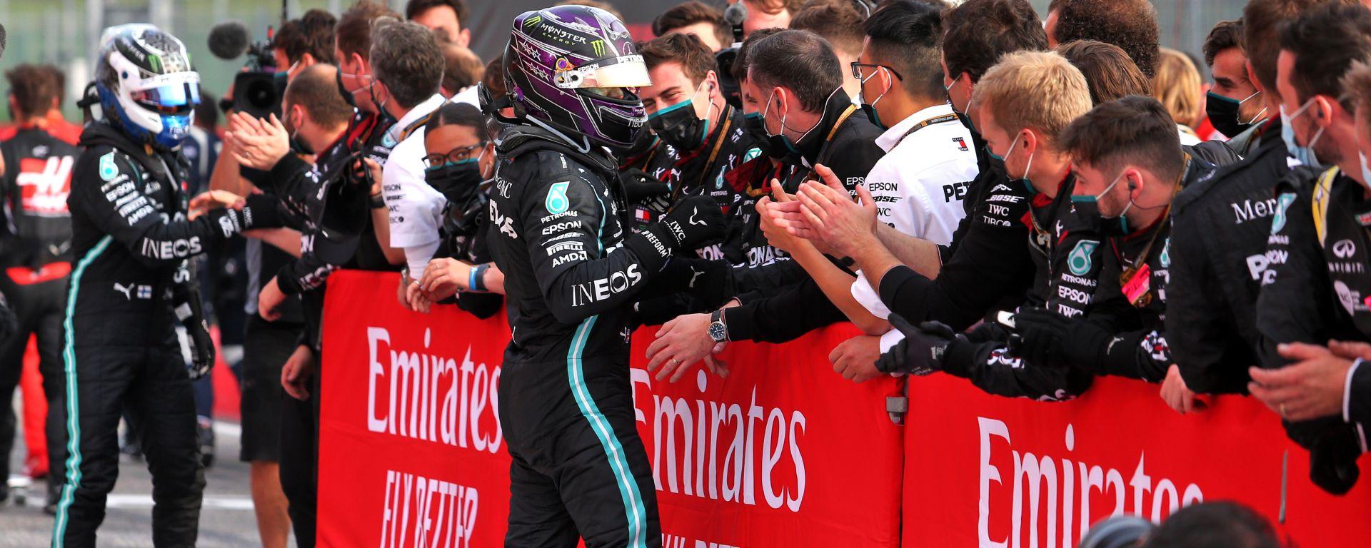 F1 GP Emilia Romagna 2020, Imola: Lewis Hamilton e Valtteri Bottas festeggiano il titolo Mercedes