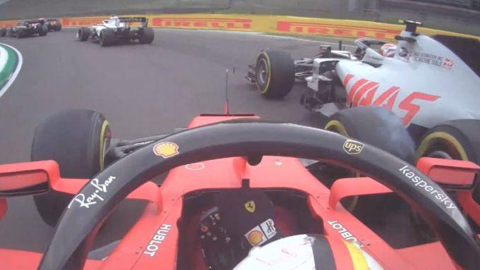 F1 GP Emilia Romagna 2020, Imola: Vettel (Ferrari) a contatto con Magnussen (Haas)