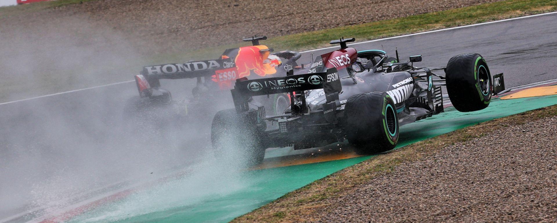 F1, GP Emilia Romagna 2021: il duello tra Max Verstappen e Lewis Hamilton