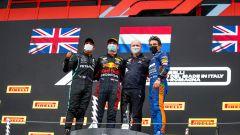 F1, GP Emilia Romagna 2021: il podio della gara con Lewis Hamilton, Max Verstappen e Lando Norris