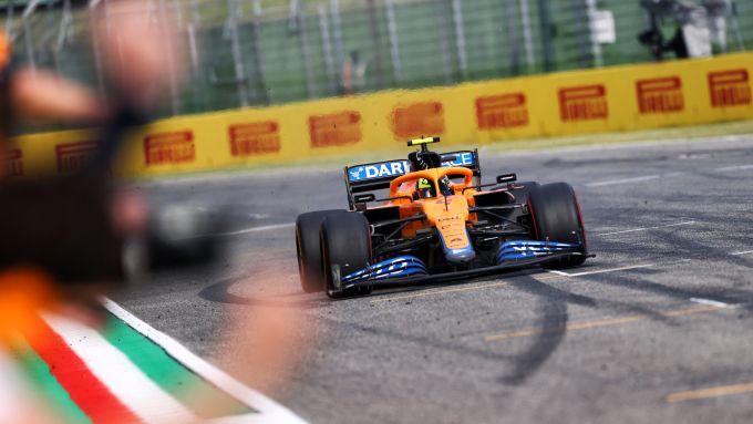 F1 GP Emilia Romagna 2021, Imola: Lando Norris (McLaren F1 Team) esulta per il terzo posto