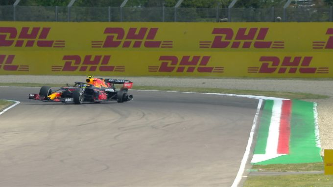 F1 GP Emilia Romagna 2021, Imola: l'incidente di Sergio Perez (Red Bull Racing)
