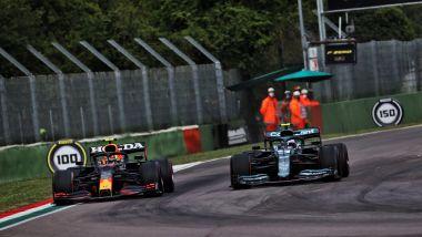 F1, GP Emilia Romagna 2021: Sergio Perez (Red Bull) e Sebastian Vettel (Aston Martin)