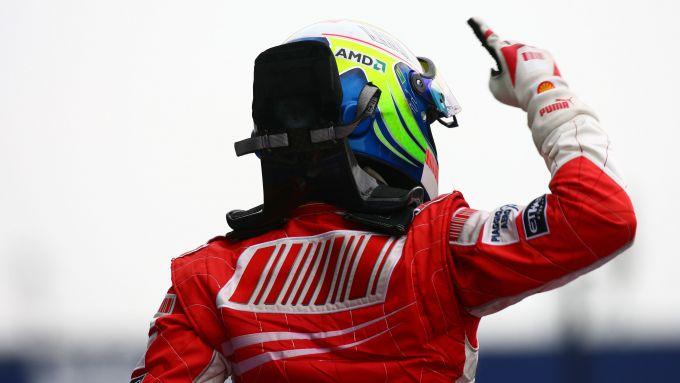 F1 GP Francia 2008, Magny-Cours: Felipe Massa (Ferrari) esulta dopo il traguardo
