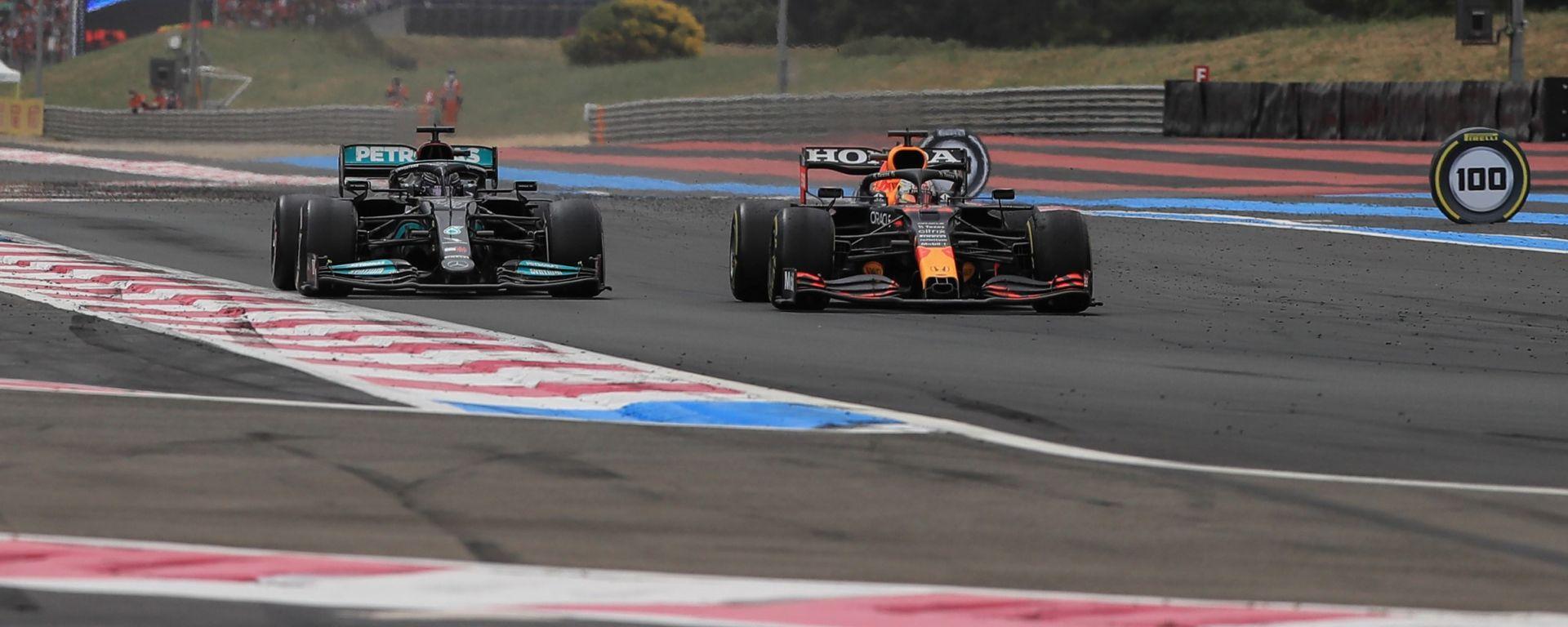 F1, GP Francia 2021: il momento del sorpasso di Max Verstappen su Lewis Hamilton