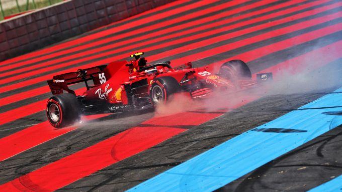 F1 GP Francia 2021, Le Castellet: Carlos Sainz (Scuderia Ferrari) in testacoda nelle PL1
