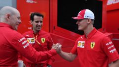 F1 GP Germania 2019, Mick Schumacher al box Ferrari prima di salire sulla F2004 di papà Michael - 3