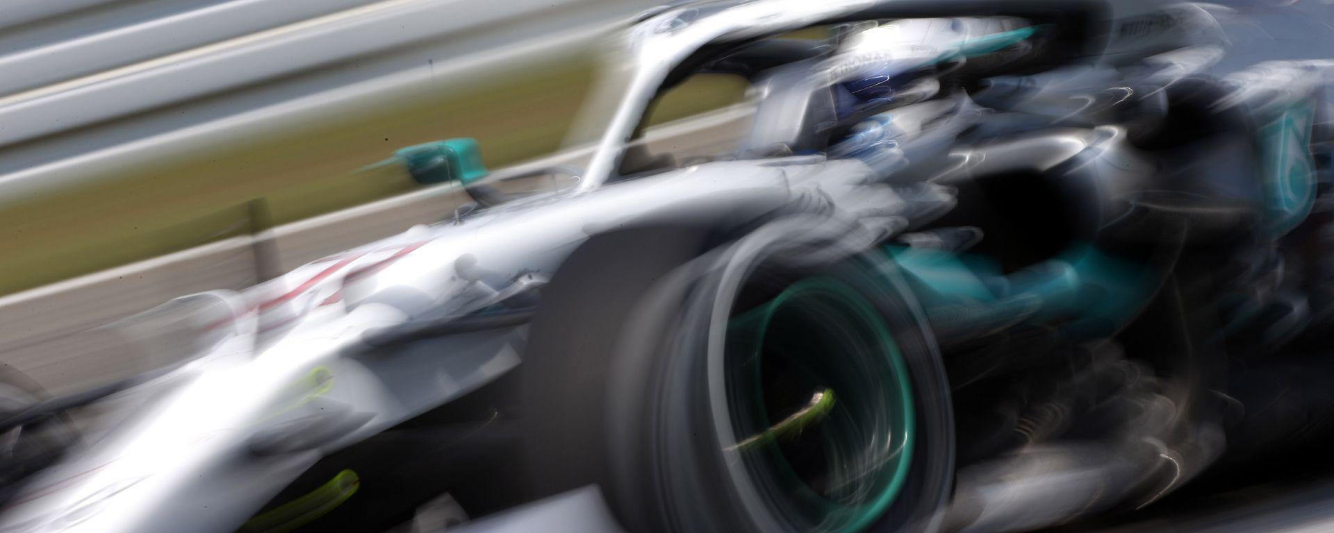 F1 GP Germania 2019, Valtteri Bottas alla guida della sua Mercedes W10 con livrea tributo