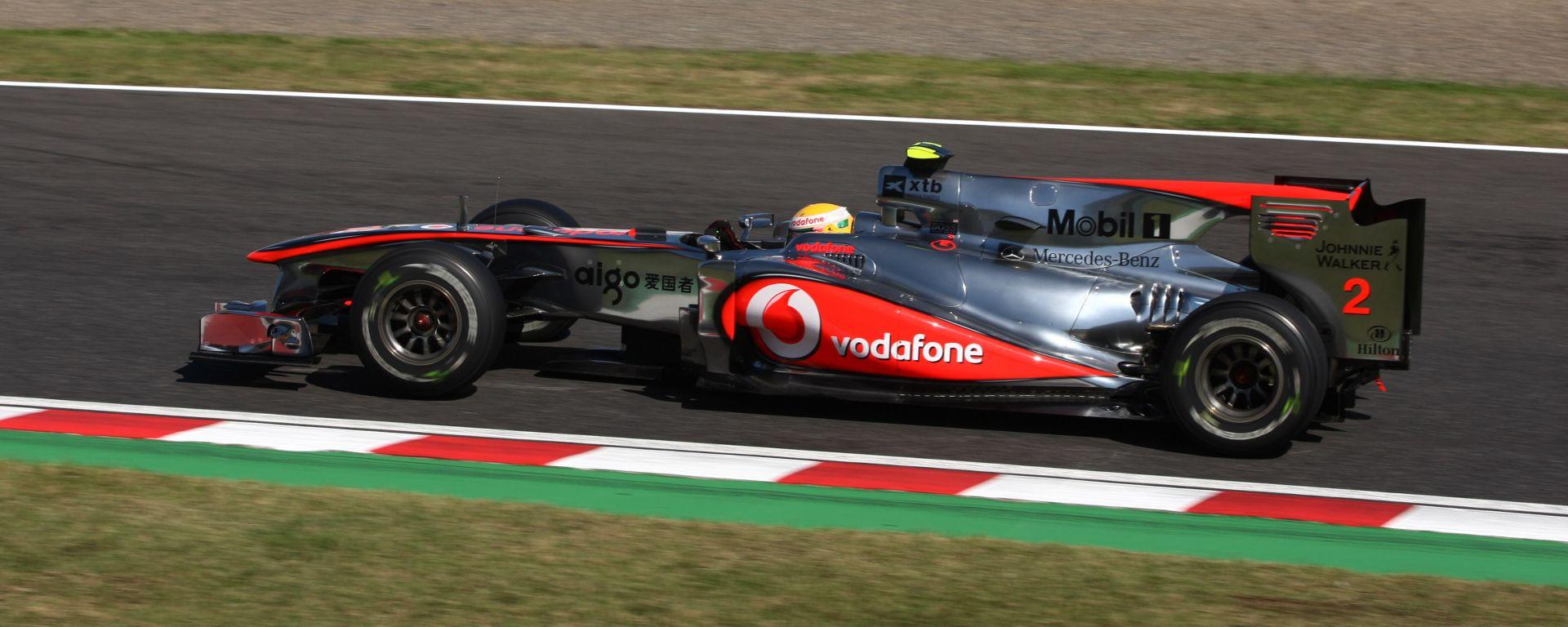 F1, GP Giappone 2010: Lewis Hamilton al volante della McLaren MP4-25A